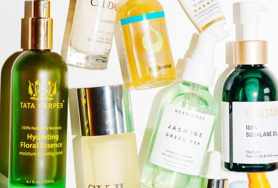 ORGANIC SKINCARE BRANDS TO MAKE YOU FEEL BETTER ABOUT WHAT YOU'RE PUTTING ON YOUR SKIN